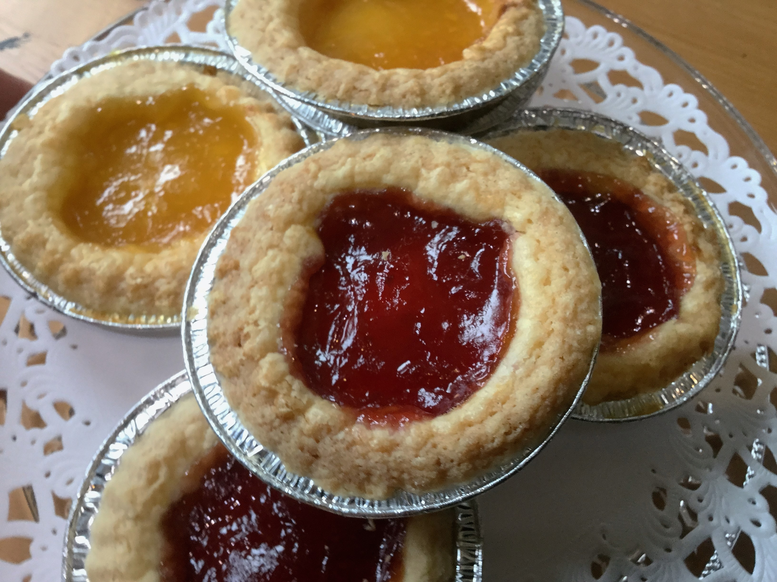 Hand crafted 6 sweet tarts 3 strawberry and 3 lemon curd for Easy jam tarts ready made pastry
